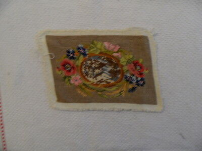 Gobelinstickerei, Petit Point, Blumen+ Berge in der Mitte, 15,5 x 10,5 cm