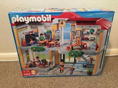 Playmobil Large School Set 5923 Complete Set Boxed with Instructions.