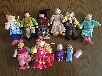 11 Lovely Wooden Dolls House People/figures