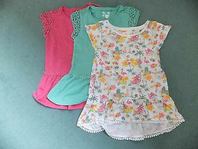 3x girls short sleeved tops.  Age 7 years.