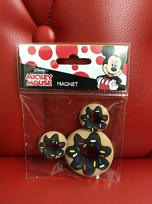 Disney Mickey Mouse Magnet: Mickey Donut (AAA)