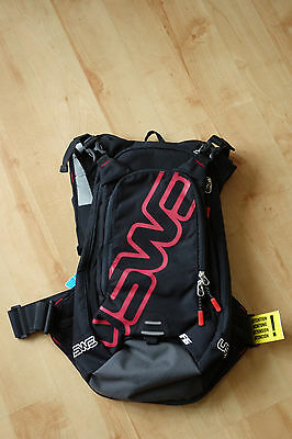 USWE F6 Hydration Pack (Mountain Bike MTB Backpack) *includes 3L Bladder