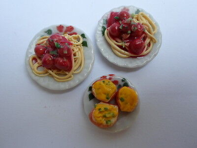 Dolls house, Sylvanian families  food spaghetti and meatballs for two