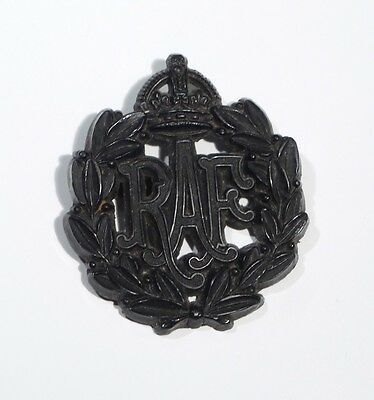 WW2 PLASTIC Royal Air Force RAF ECONOMY ISSUE Badge.