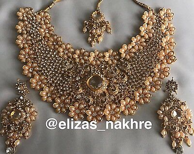 Indian//Pakistani Bollywood Style Peach and Gold Necklace Earrings And Tikka