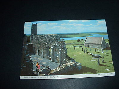 IRELAND . POSTCARD CLONMACNOISE AND RIVER SHANNON  Co OFFALY POSTED