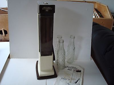 Vintage Retro 1983 Sodastream 101 Fizzy Drinks Maker With Guide And 3 Bottles