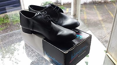 Men's leather soled dance shoes size 9 in wide width. Worn 3 times. Cost £87
