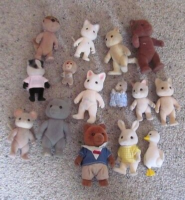 Sylvanian - Bundle of old animals with lots of playwear