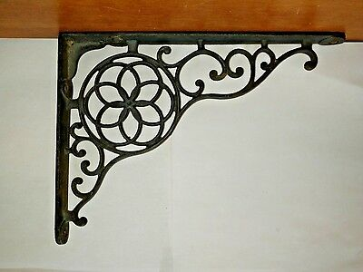 "VINTAGE 9 1/2"" x 6"" ORNATE CAST IRON WALL CORNER BRACKET / CORBEL"