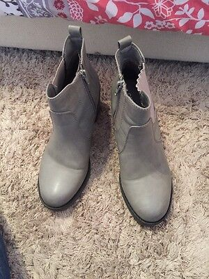 Grey Ankle Boots Heels Ladies Size 5