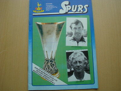 TOTTENHAM HOTSPUR V FEYENOORD OCT 1983 + Ticket
