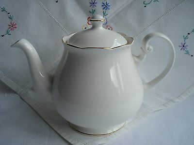 Classic Vintage Colclough Bone China Tea Pot