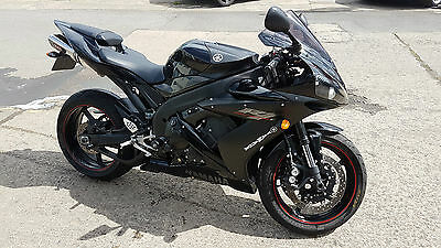Yamaha YZF R1 13,000 miles 3 original keys, 12m mot in amazing condition