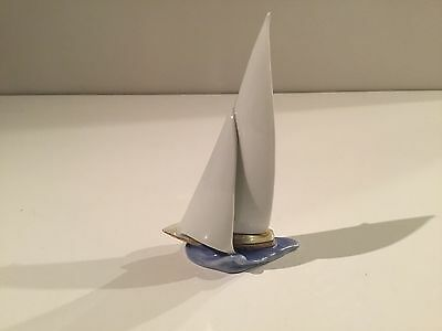 Herend Sailboat Ship Riding on Ocean Wave Butterscotch Fishnet Figurine 6871