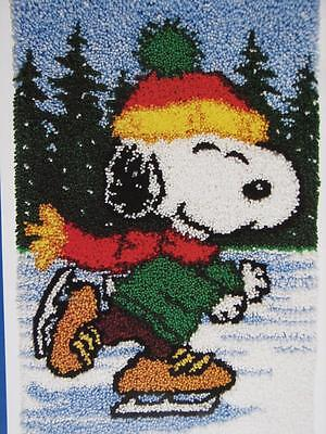"VTG J & P COATS LATCH HOOK ICE SKATING PEANUTS SNOOPY RUG KIT-20""X30""s ART 25070"