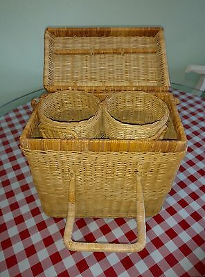 2 bottle wine wicker basket carrier tote with latching lid