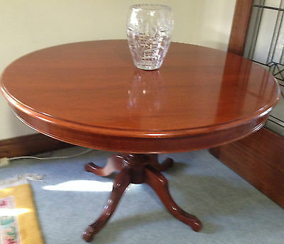 Lovely Mahogany 120Cm Round Pedestal Extension (Seats 8) Occasional Diningtable