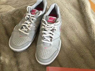 Nike City Court Ladies/Child Trainers Size 5 Grey/Pink