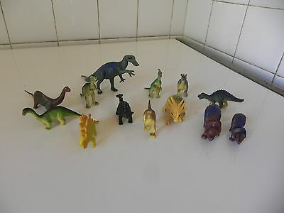 lot de 13 figurines dinosaures