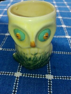 Owl egg cup. vintage. Lovely unusual.