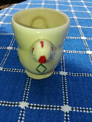 Chicken egg cup with diamond pattern. vintage. Lovely.