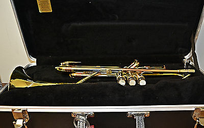 Getzen Super Deluxe Trumpet with factory overhaul, relacquer and new case