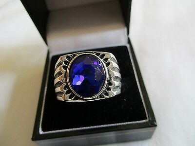 """Men""""s New Silver Costume  Blue Faceted Glass   Stone Ring Size Y"""