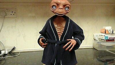 E.T. THE EXTRA-TERRESTRIAL 16 iNCH ELECTRONIC FIGURE 2001