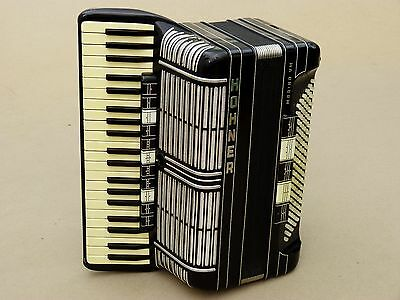Very Nice Accordion Hohner Morino VM 120 bass Including Case
