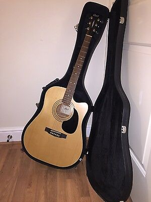Cort electro acoustic guitar / with matching case