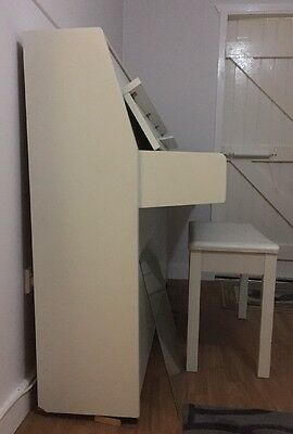 Yamaha Upright Piano with Seat. (sold ASAP)