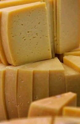 420 gr / 14.8 oz (about) AÇORES ISLAND CHEESE (Big Slice) with Tracking Number