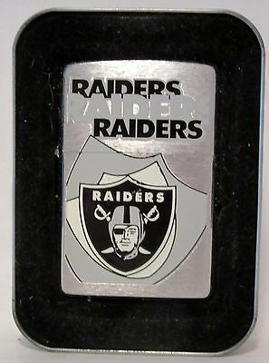 01 2001 ZIPPO LIGHTER NFL TEAM RAIDERS [not sure what town they play in] unused