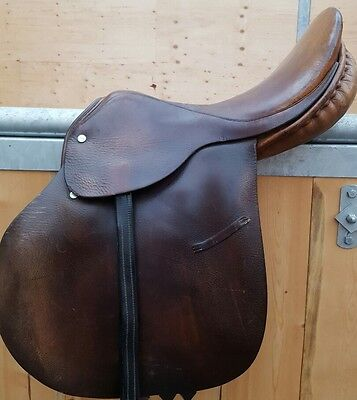 Barnsby  All purpose saddle 16 in