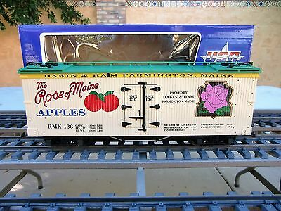 Usa Trains (R-16274)  The Rose Of Maine Apples  Wooden Billboard Reefer