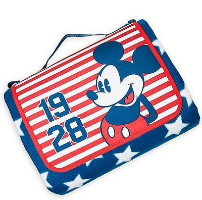 2017 Disney Store Mickey Mouse Americana Picnic Beach Blanket