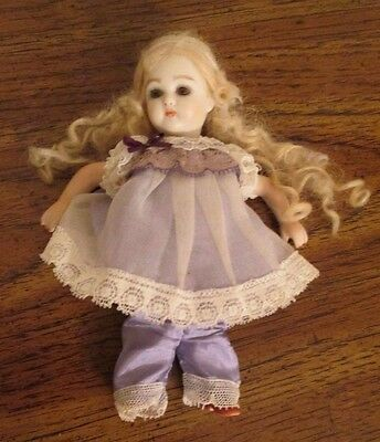 """Bisque Blonde Doll 5.5"""" Moveable Head & Limbs Glass Eyes, Unidentified Mark VGC"""