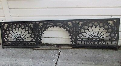 Ornate Antique Victorian Gingerbread Fretwork Ball & Stick Spandrel, 6 Foot