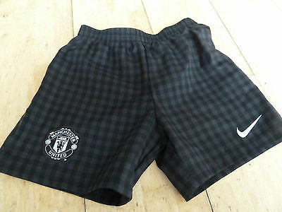 MANCHESTER UNITED , HOME SHORTS , BOYS 5-6yrs - BLACK CHECK - GOOD CONDITION