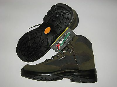 OUTDOOR/Hunting Trekking Boots in Green/Brown Colour - CBC ITALY - Waterproof