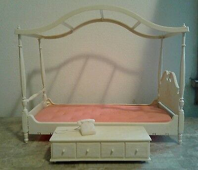 Vintage 1963 Suzy Goose Barbie Lot 4 Poster Canopy Bed & Chest & Telephone