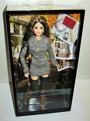 New 2017 The Barbie Look Doll City Chic Grey Sweater Karl Face Articulated DYX63
