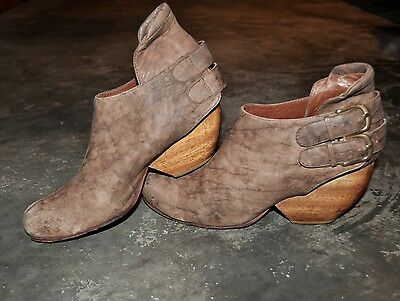 RACHEL COMEY ankle boots booties distressed leather curved block heels 39 US8