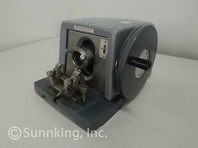 AO American Optical Spencer 820 Lab Benchtop Manual Precision Rotary Microtome
