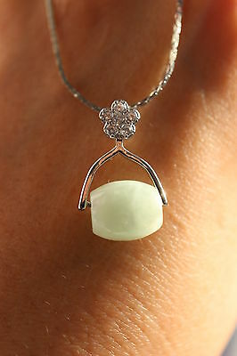 Gemstone natural light green jadeite jade passepartout pendant certificated