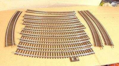 12 x Curved track (one with power connector)     OO gauge