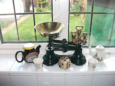 Vintage   Kitchen Scales With Imperial Brass Weights