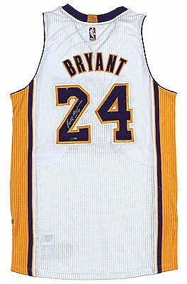 KOBE BRYANT Autographed Authentic 2014 White Lakers Jersey PANINI