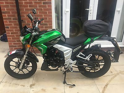 LEXMOTO VENOM 125cc MOTORCYCLE LEARNER LEGAL